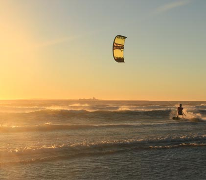 Stefan Haghofer kitesurfing in Cape Town, Sunset Beach
